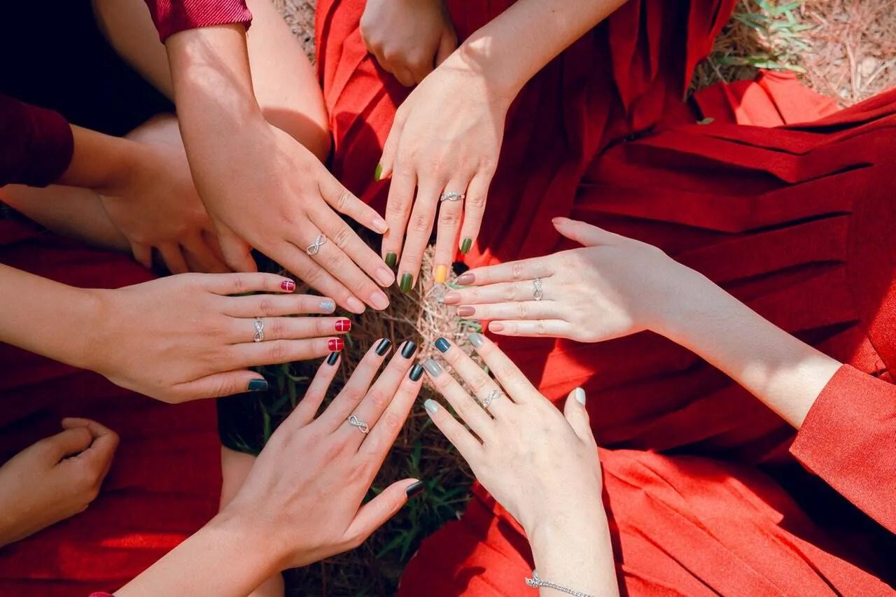nails, fingers