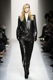 bottega-veneta-fall-2010-leather-hot-fashion-trends-2010-1