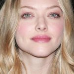 natrural blonde, light skin - Amanda Seyfried