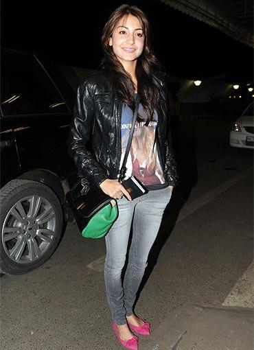 What's in Anushka's Handbag
