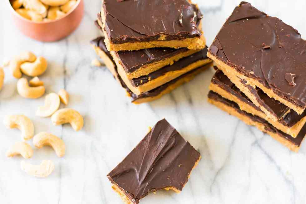 paleo cahsew butter chocolate bars