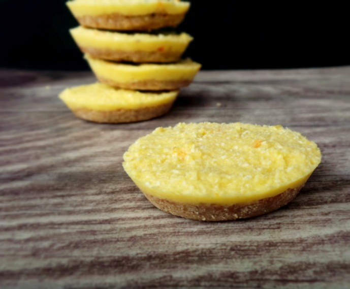 DETOX ORANGE-COCONUT BEAUTY BITES - RAW, VEGAN, GLUTEN-FREE