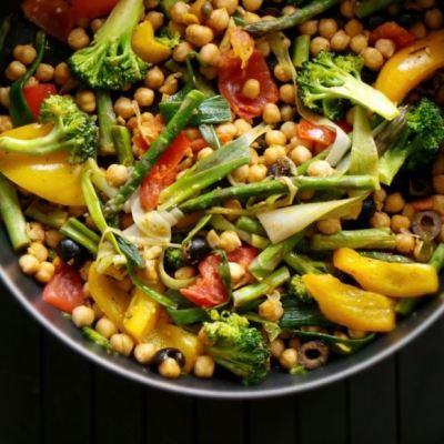 Beauty Bites: One-Pan Chickpeas with Mixed Vegetables
