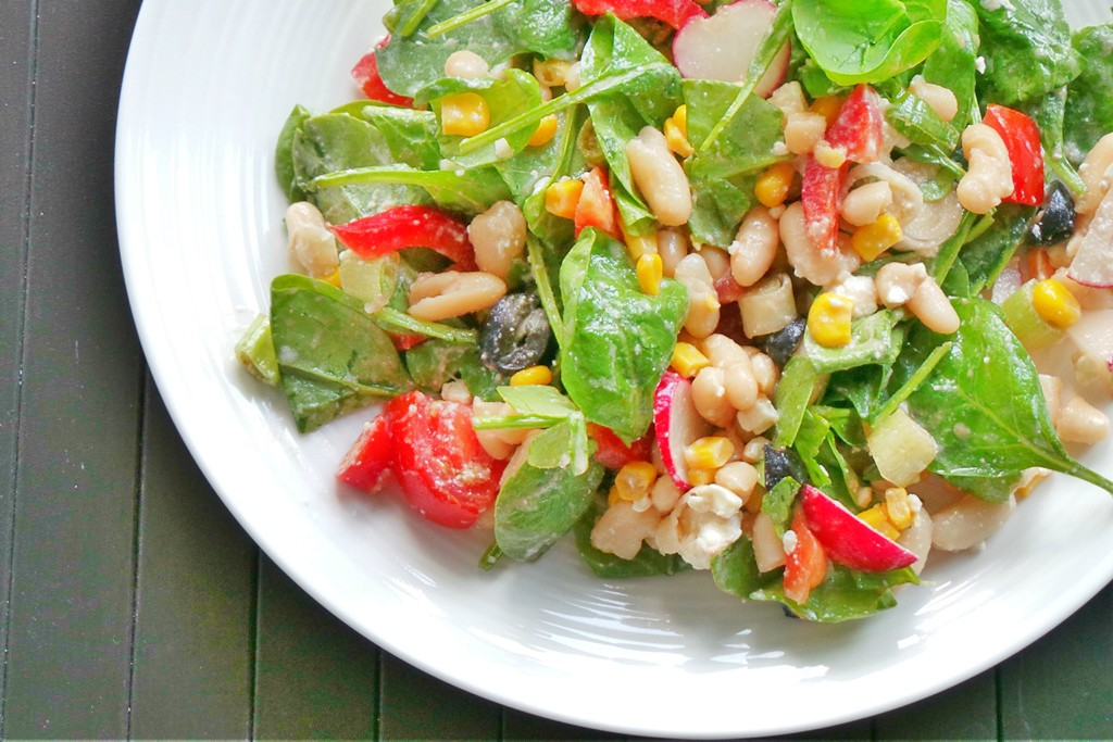 Super easy and healthy salad recipe! This is a white bean salad recipe with spinach and corn - delicious and quick, gluten-free, vegetarian, you can easily make it vegan - just don't add feta cheese