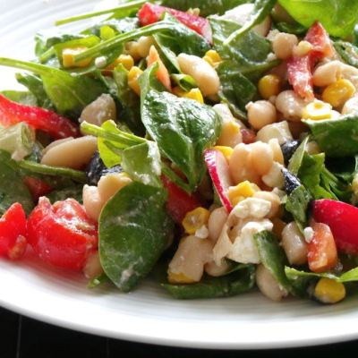 Healthy Lunch: Salad With Spinach, Beans and Corn