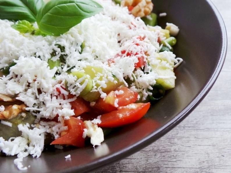 Beauty Bites - Tomatoes, Cucumber and Feta salad
