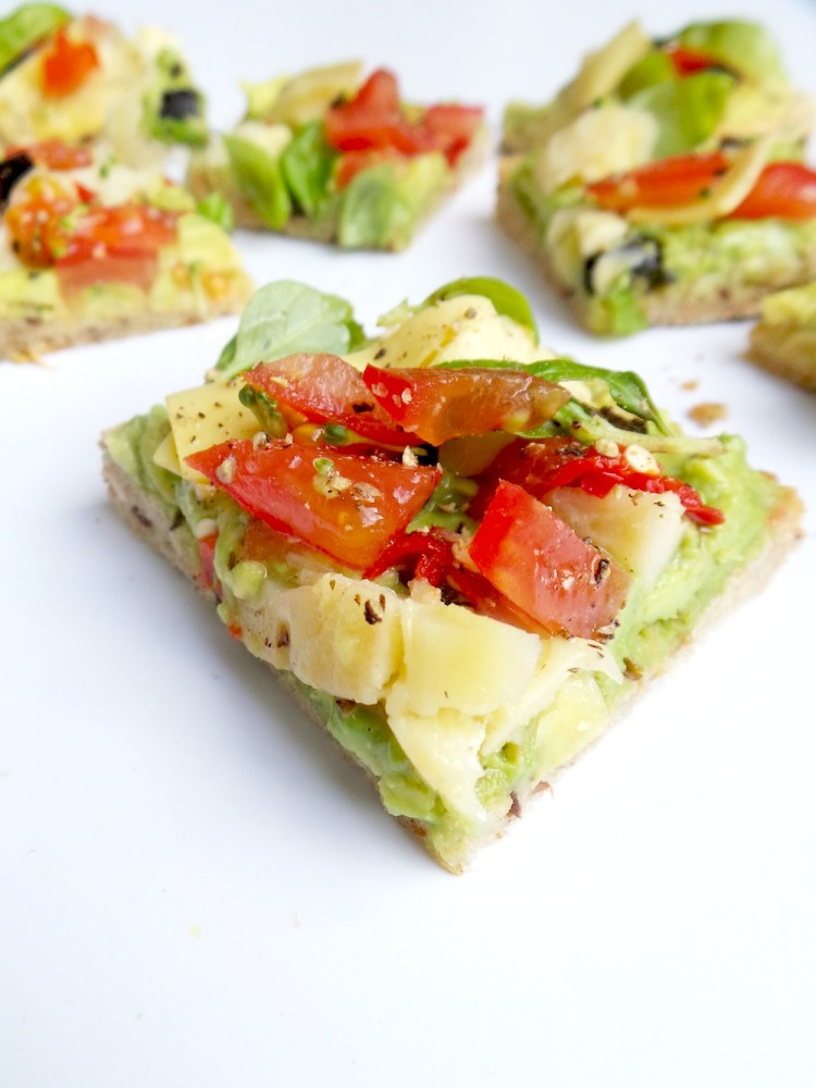5 minute avocado toast that tastes like pizza beauty bites