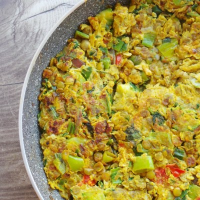 Omelet with Spicy Turmeric Lentils aka Tortilla Ibelina