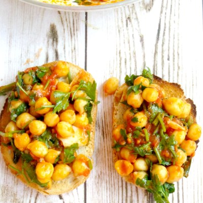 5-Minute Tomato Chickpea Bruschetta