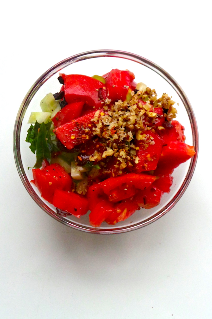 A special tomato and cucumber salad! This healthy salad is a low-carb vegan dinner recipe you can make in 10 minutes!   www.beautybites.org