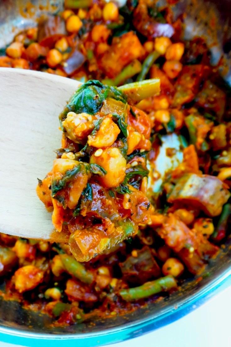 15-Minute Spicy Chickpea Skillet – Healthy Vegan Meal Prep Recipe