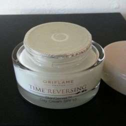 oriflame time reversing day cream