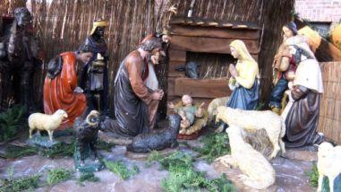 Kerststal buiten