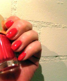delia nagellak bij kunstlicht
