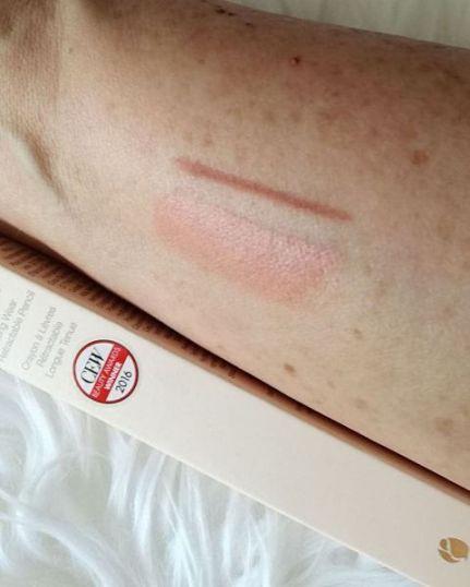 delilah lip line (4)