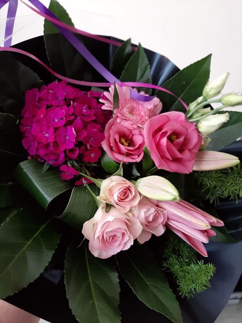 KeeK op de WeeK 42- Kaartje, Bloemen, Gewonnen & Kattengespin 17 bloemen KeeK op de WeeK 42- Kaartje, Bloemen, Gewonnen & Kattengespin