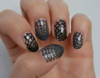 Simple Halloween nail art idea - spider web nail art ...