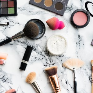 Makeup brushes for beginners mini guide