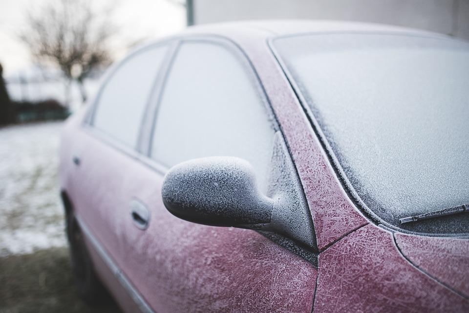 frozen car Pixabay image