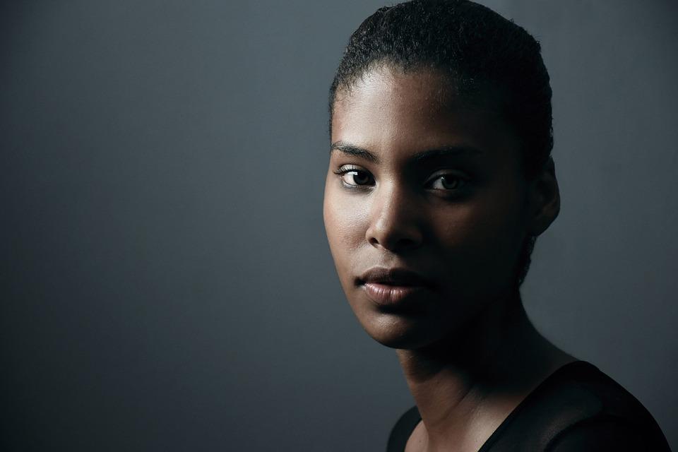 Discover Makari de Suisse  for Whitening Dark Skin Dark-Skinned Woman