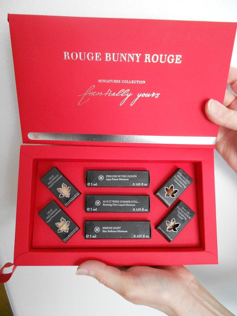 Rouge Bunny Rouge Miniatures Essentially Yours Set up close