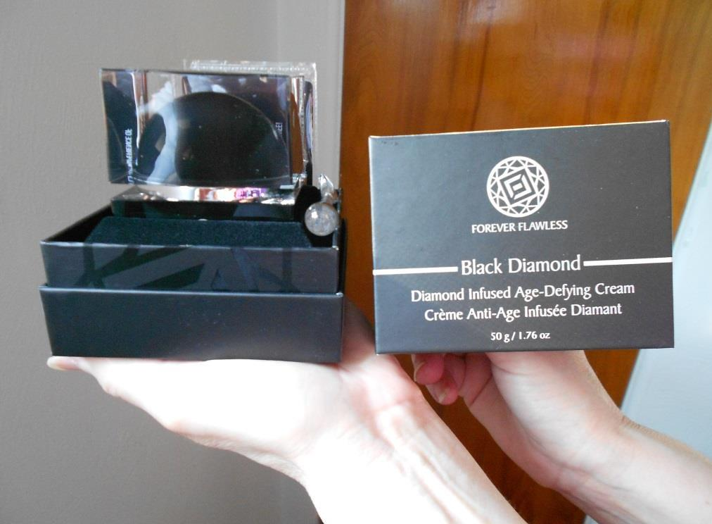 Diamond Infused Age-Defying Cream Forever Flawless out of box