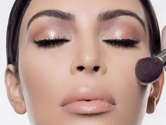 <p>Aprenda a técnica de make de Kim Kardashian: Hoje em dia a técnica de maquiagem mais conhecida é a make contouring, utilizada pela Socialyte Kim Kardashian</p>
