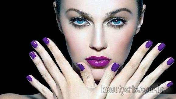 Resultado de imagem para roxo azulado unhas e maquiagem 2018