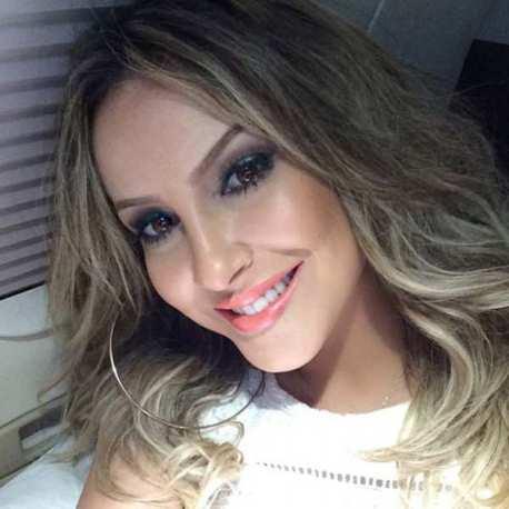 Conheça a maquiagens usada po Claudia Leitte