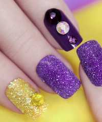 Unghie Ultra Violet: tendenze Nail art e Smalti - Beautydea