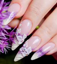 Unghie Ultra Violet: tendenze Nail art e Smalti