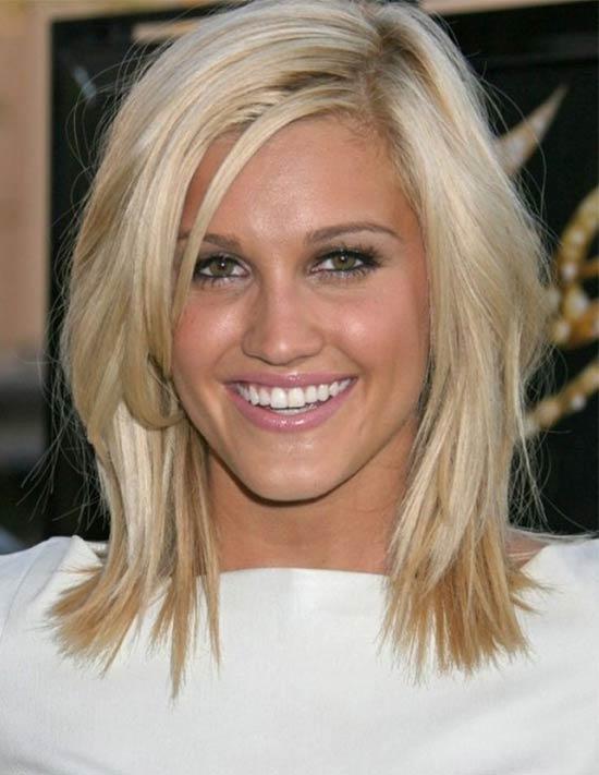 Elizabeth Banks Medium Length Hairstyles for Thin Hair