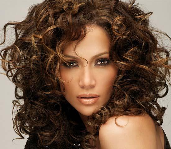 Jennifer Lopez Medium Curly Hairstyles