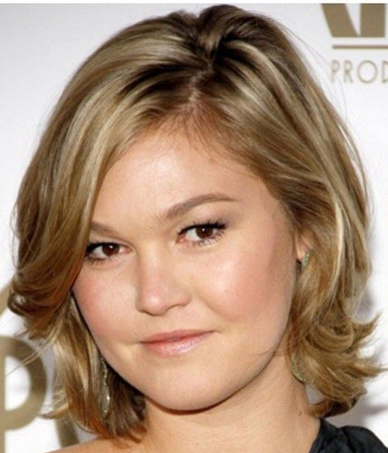 Julia Stiles Medium Hairstyles for Round Faces
