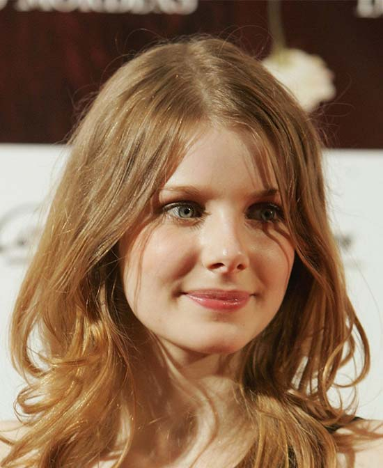 Rachel Hurd Wood Medium Layered Haircuts