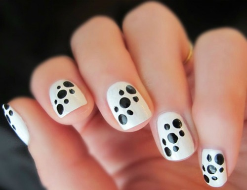 Black and White Polka Dot Nail Art