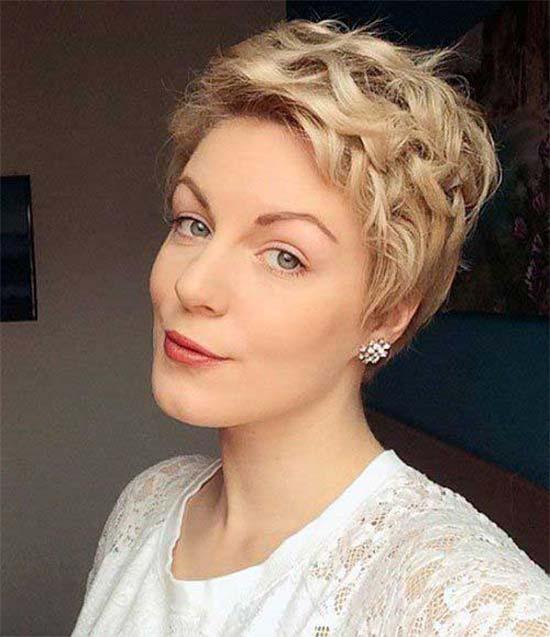 Debra Messing Curly Wavy Pixie Cuts