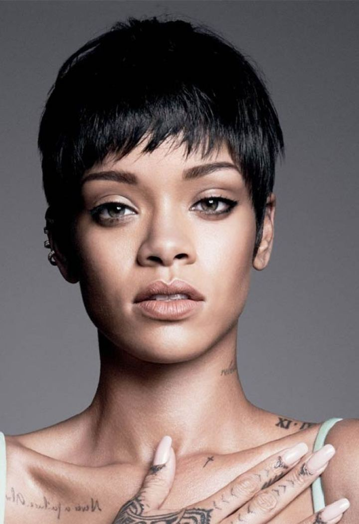 Rihanna short fringe hairstyle