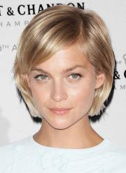 gorgeous short straight hairstyles