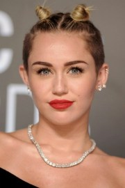 stylish miley cyrus' hairstyles