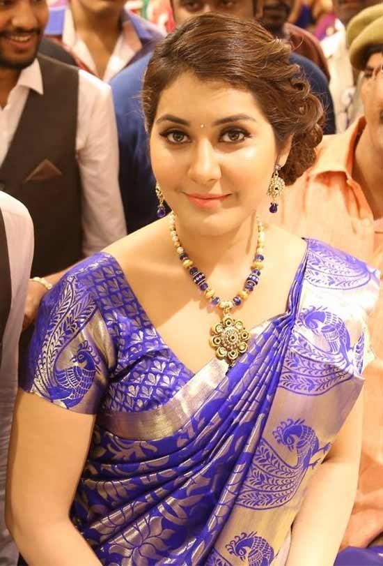 Rashi-Khanna-In-Royal-Blue-Pattu-Saree