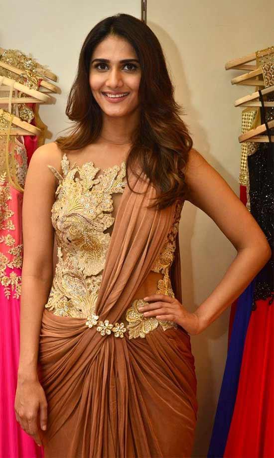 Vaani-Kapoor-Wearing-Neha-Agarwal-Saree-Gown