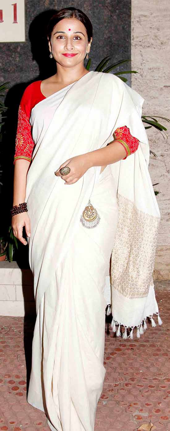 Vidya-Balan-in-a-Simple-White-and-Silver-Saree