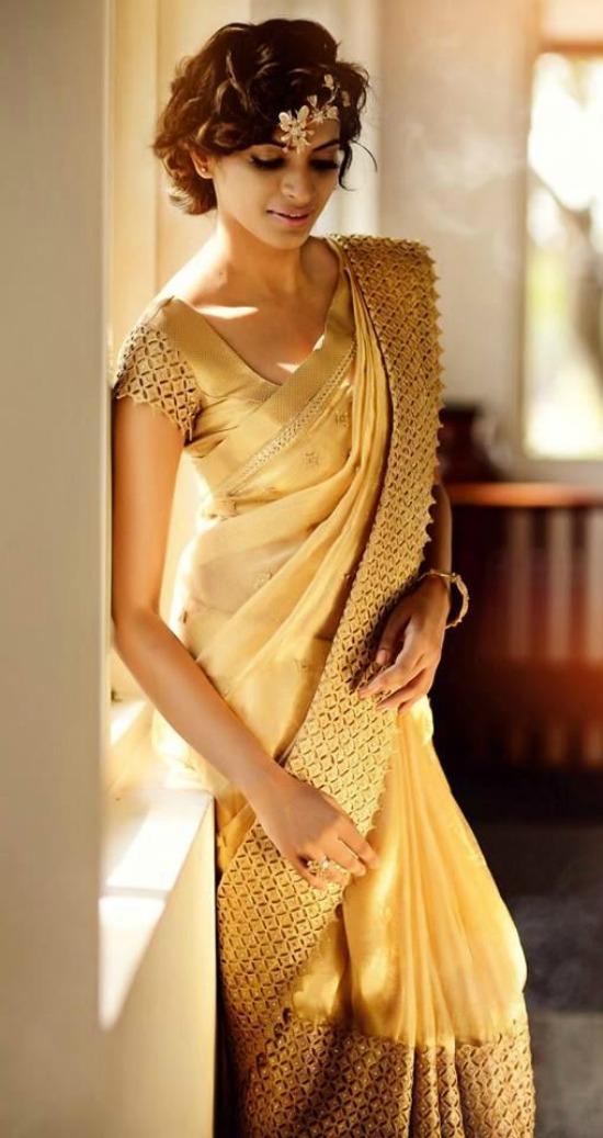 Custom Border On A Gold Bridal Silk Saree