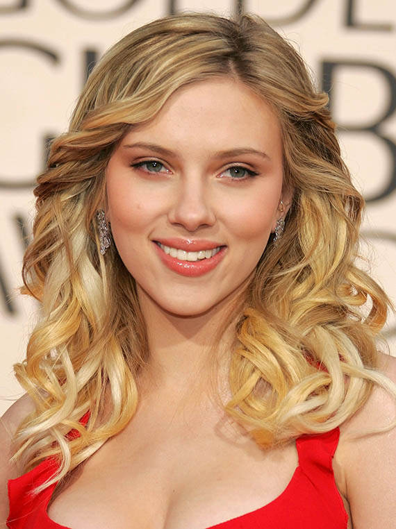Scarlett Johansson Curly Blonde Hair