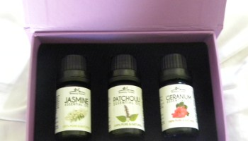 3 Essential oils - Romance
