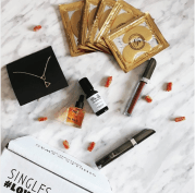 SinglesSwag - best subscription boxes - beauty box subscriptions - mom subscription box - subscription boxes for moms - unboxing subscription box review | beautyiscrueltyfree.com