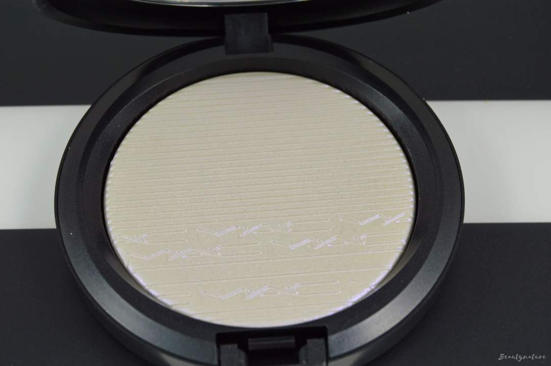 MAC extra dimension skin finish soft frost