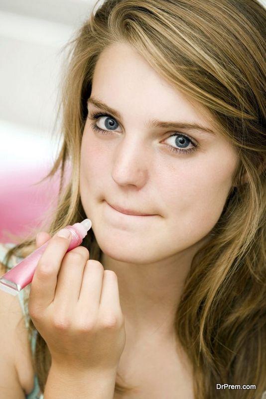 lip-gloss-and-lipsticks