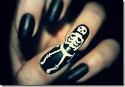Halloween manicure 12
